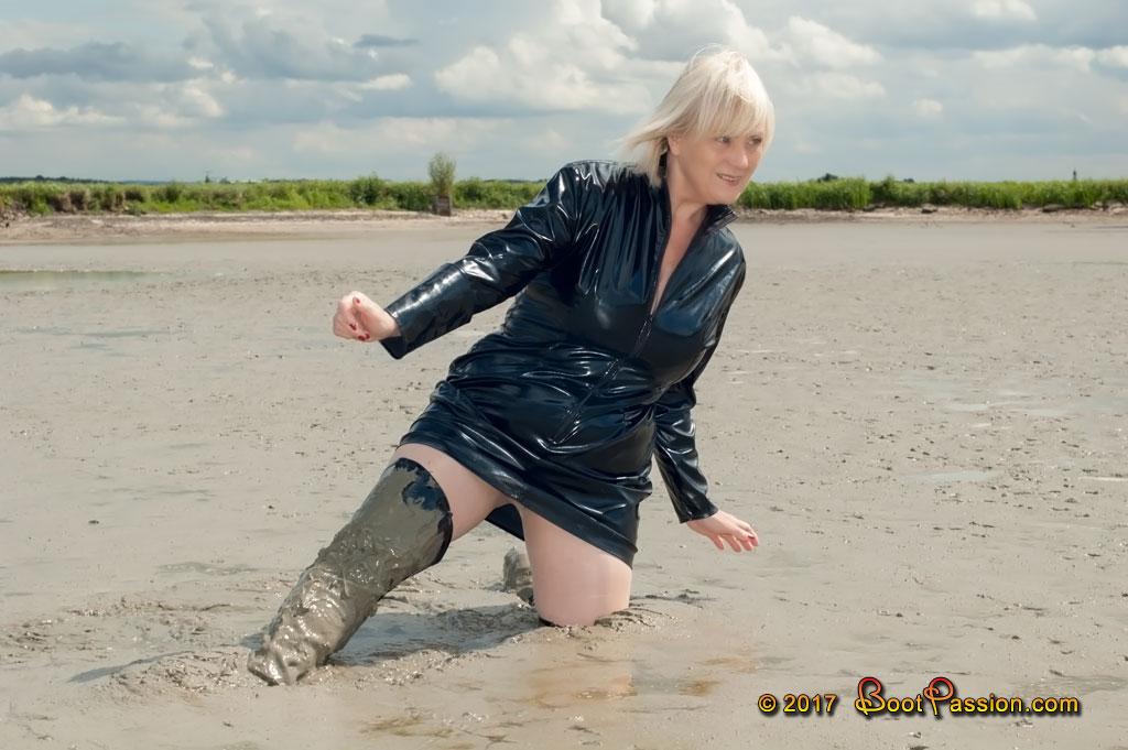 Cапожные женщины в грязи. - Страница 2 P630_03