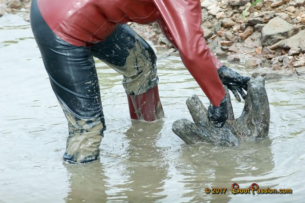 Cапожные женщины в грязи. - Страница 2 P633_02
